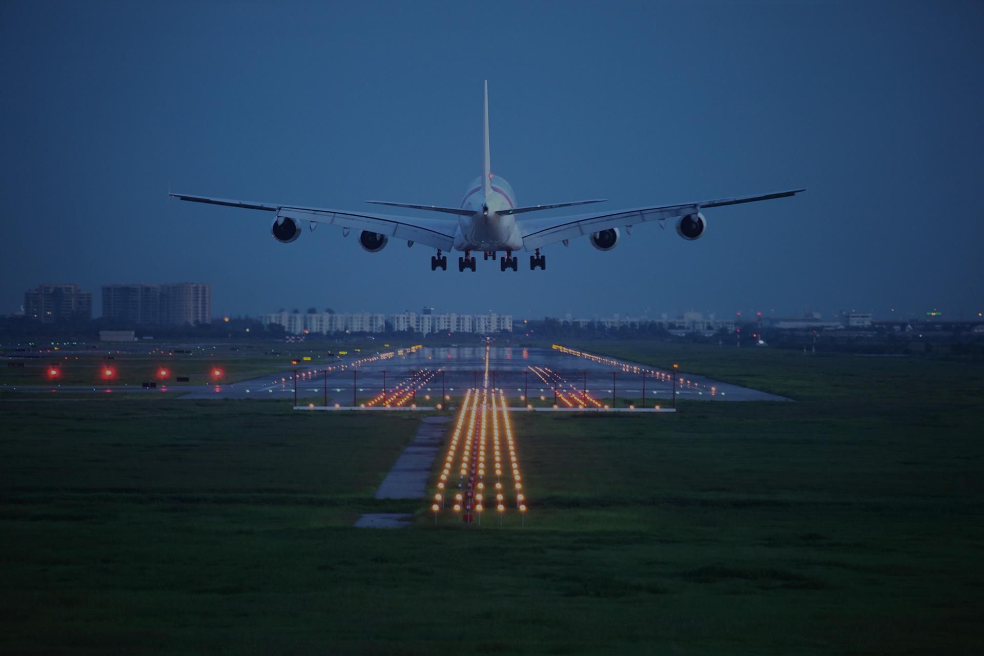 Aviation Plane Coming in for Landing. Flight Planning Services and Flight Planning Solutions